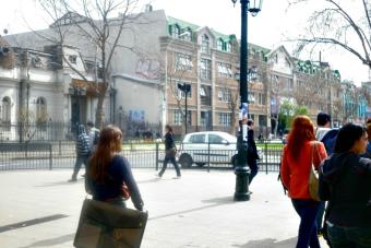 Estudiantes inscritos en universidades no acreditadas se redujeron a la mitad en 6 años