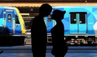 ¿Cómo hablarle a una chica en el metro?