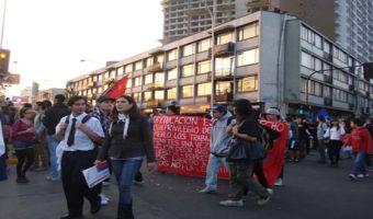 A 2 semanas de elecciones municipales se realizó marcha vespertina por la educación