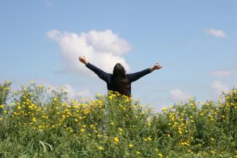 4 posturas corporales que te hacen más inteligente y más feliz