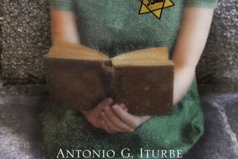 "¡Te recomiendo! ""La bibliotecaria de Auschwitz"""