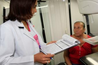 En septiembre rige nueva ley que permite a trabajadores tener medio día libre para tomar exámenes médicos