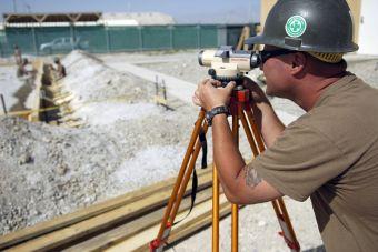 Sueldo profesional: ¿Cuánta gana un constructor civil?