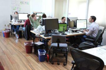 Cómo una oficina ruidosa influye negativamente en tu trabajo