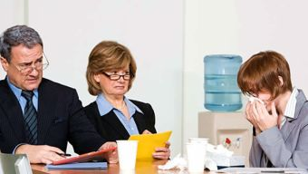 Maneras para evitar enfermarte en el trabajo