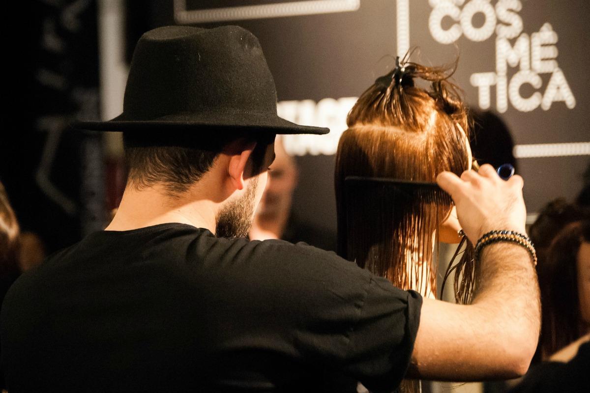 peinado-y-corte-en-peluqueria