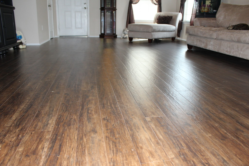 12mm Pad Sandy Hills Hickory Laminate Dream Home