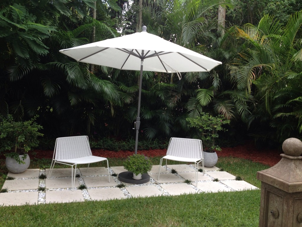 Penelope Outdoor Lounge Chair - Modern Outdoor Chairs & Chaises ...