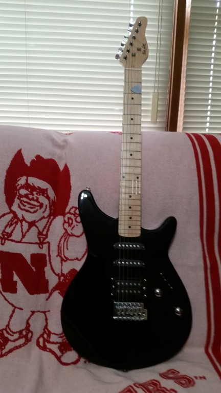 Rogue Rocketeer Electric Guitar Pack Black Music123