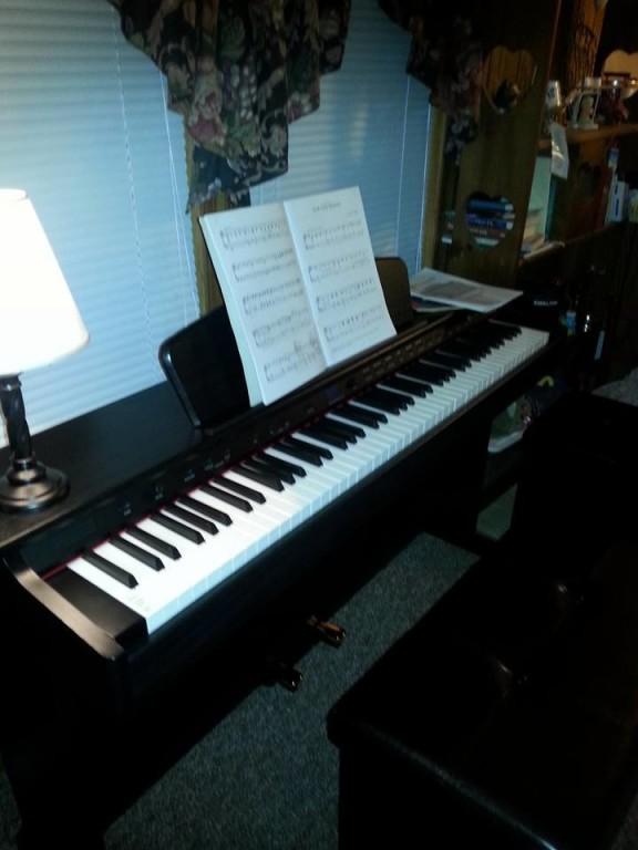 Williams Rhapsody 2 88-Key Console Digital Piano | Musician\'s Friend