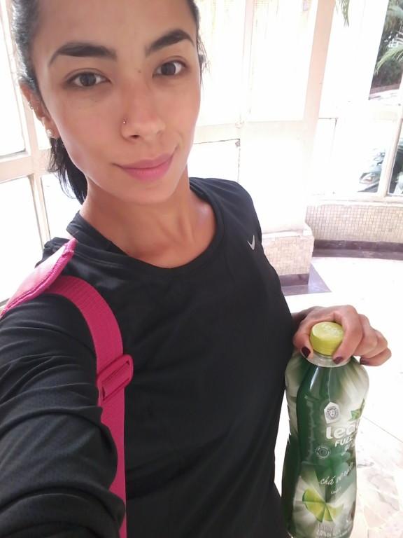 349bde2fc0 Camiseta Nike Dri-Fit Contour Feminina