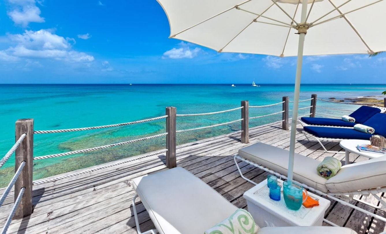 Check Out These 5 Villas That Actually Are On The Beach In Barbados!