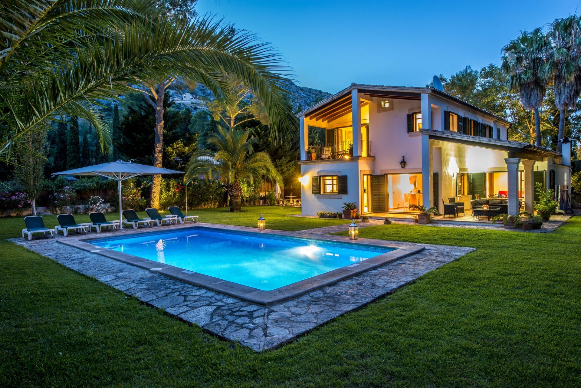 luxury property rental listing