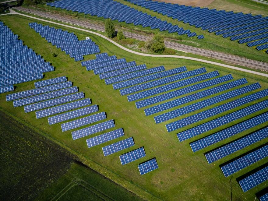 Solar Array Picture, Photo by Andreas Gücklhorn on Unsplash