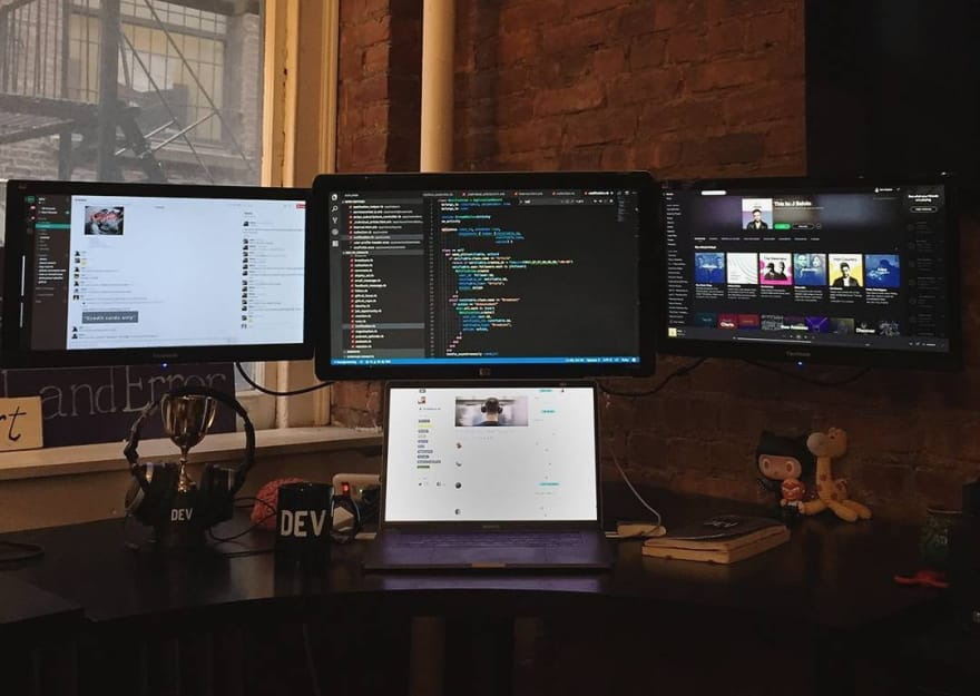 Discussion of Do You Prefer Multiple Monitors or Just One