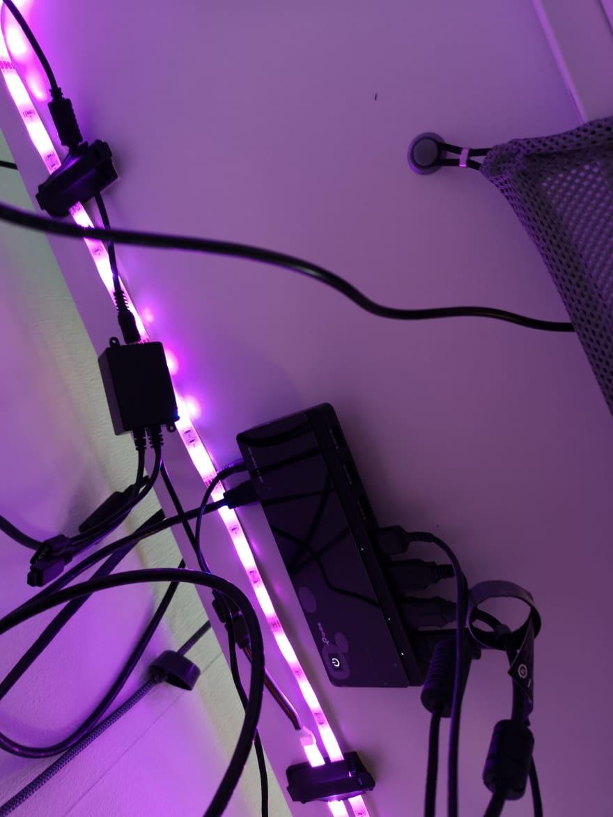 USB Hub under the desk