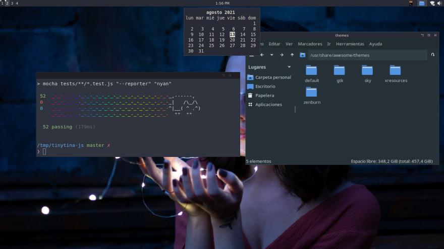 desktop screenshot. Simple desktop showing a terminal window, a file manager and a calendar widget