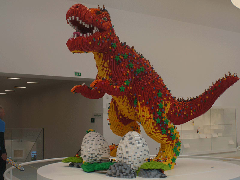 Dinosaur built using Lego pieces