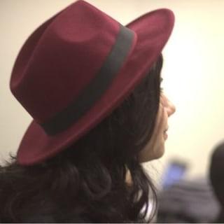 Menina do chapéu profile picture