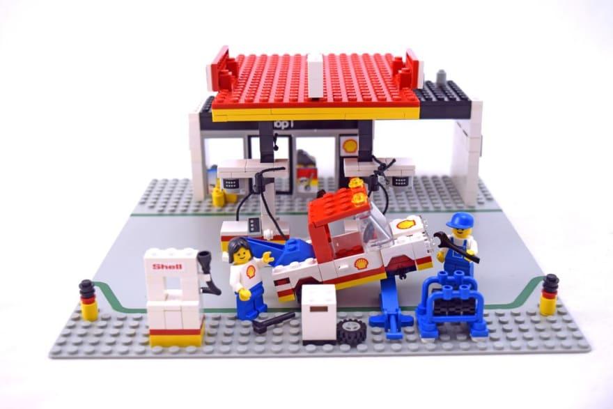 Lego Service Station