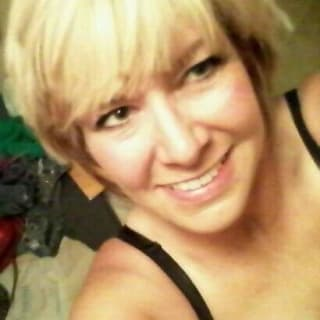 LaurieSue profile picture
