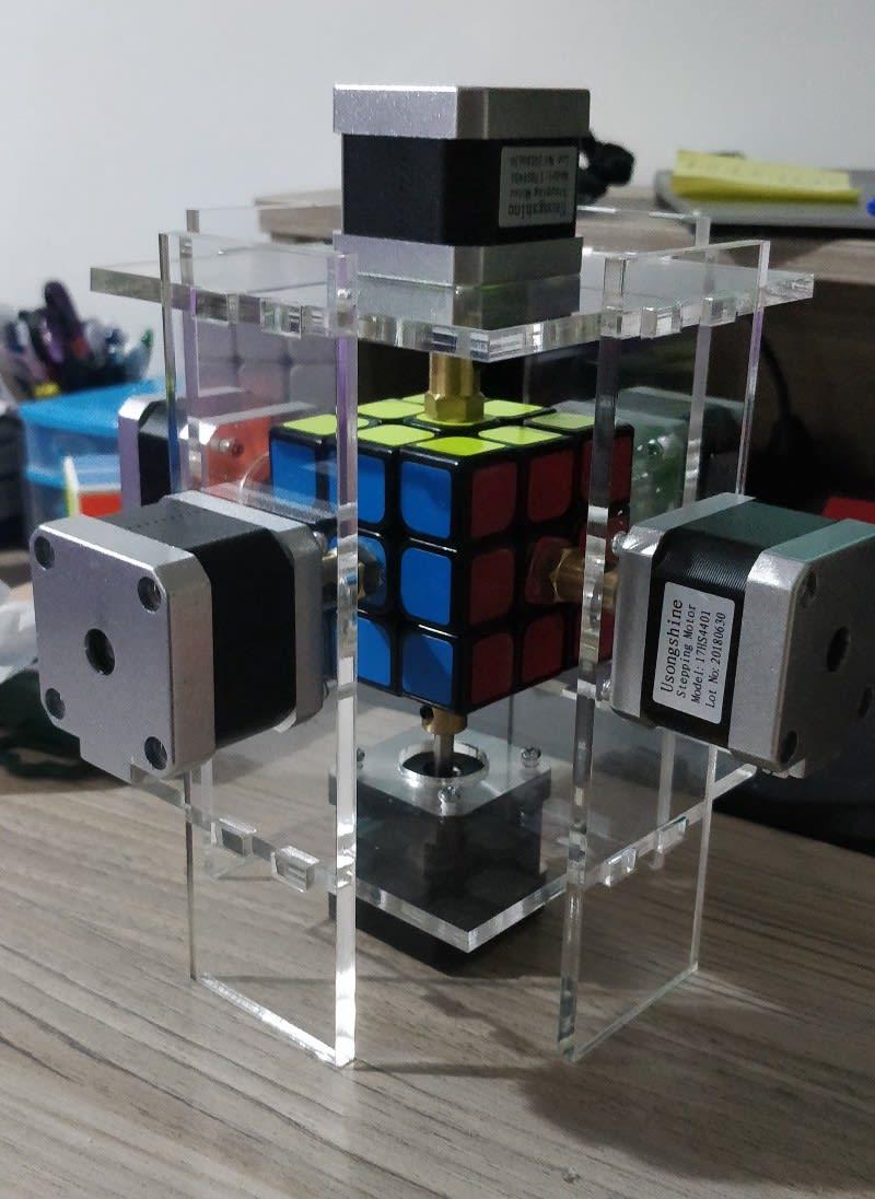 New plexiglass case with NEMA 17