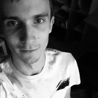 Daniel Molnar profile picture
