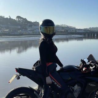 Ellie Huxtable profile picture
