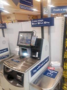 Pick and pay self-service machine
