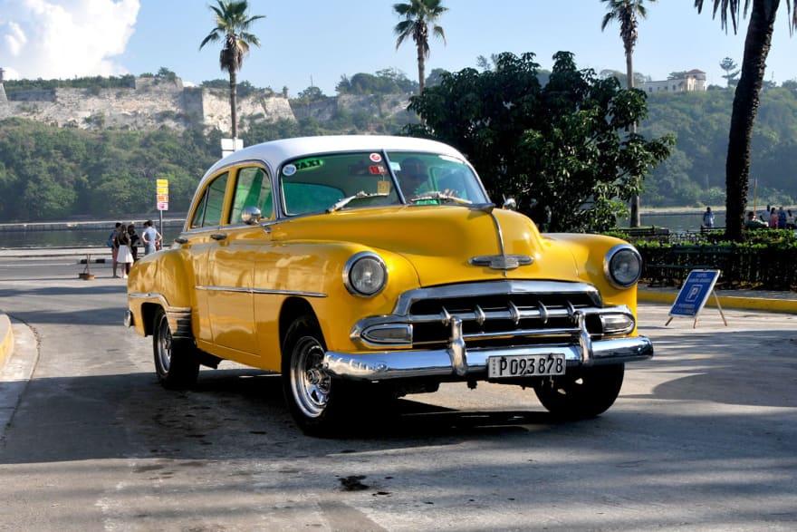 https://icdn2.digitaltrends.com/image/cuban-cars-20-1500x1000.jpg