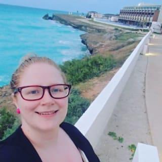 Nicole H profile picture