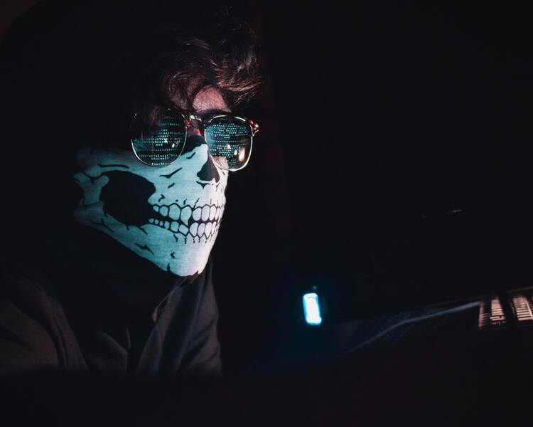 Illustration: command line tools and hacking look cooler in the movies than in real life