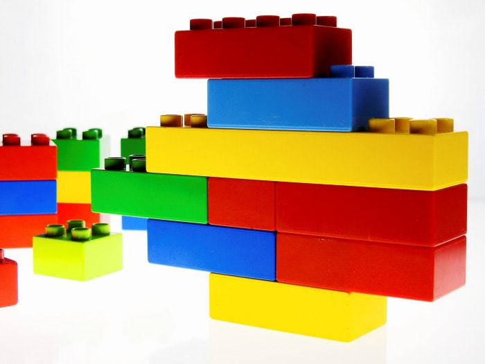 This image has an empty alt attribute; its file name is duplo-1981724_1920.jpg