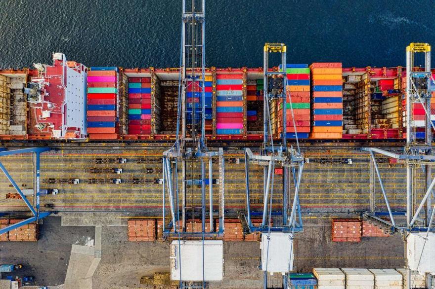 Navio carregado de Containers