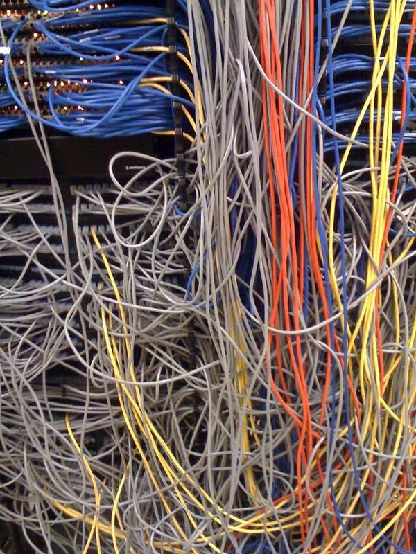 Picture of messy cables