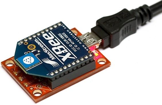 Xbee picture - an electronic device connected to a cable