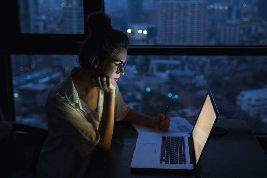 Computador de noite