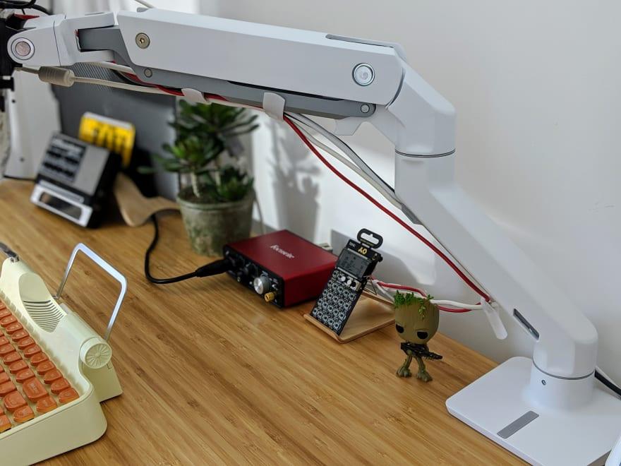 Hx Desk MonitorArm