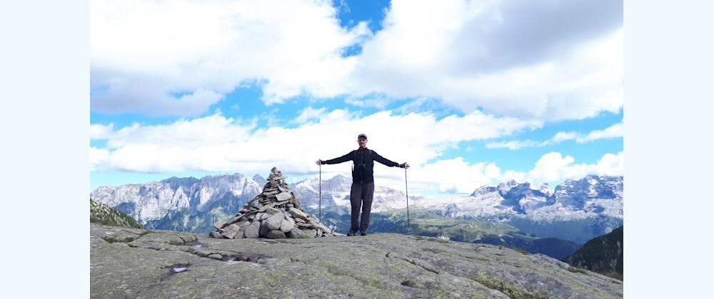 Cover image for 10 things hiking can teach you as a junior developer