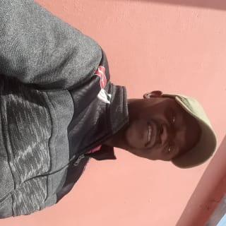 shmukizanoah profile picture