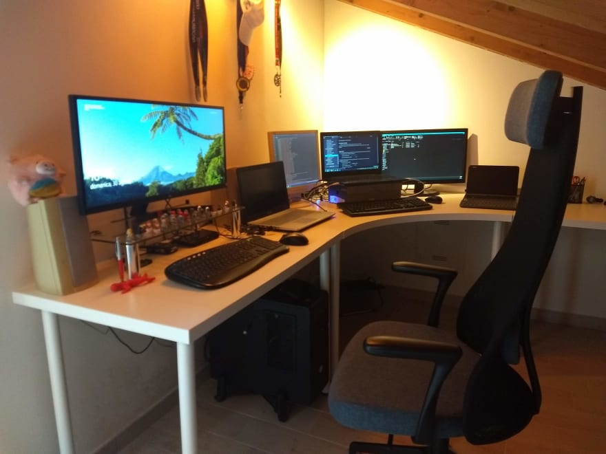workstation picture