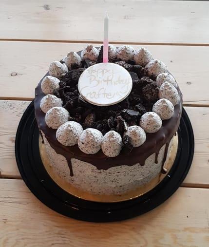 The 1-year birthday cake