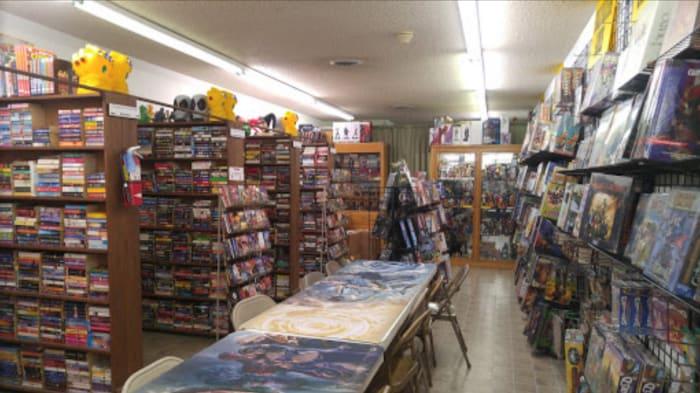 Dentro de uma loja de quadrinhos perto de casa. Eles têm um público muito bom e quase todo mundo é amigável