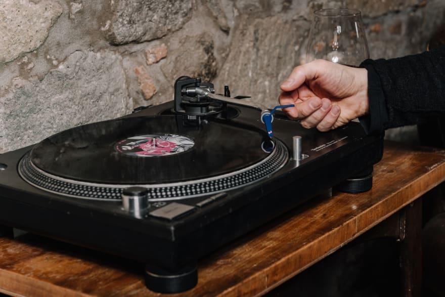 Alexa skills de audio con la interfaz AudioPlayer: directivas (II)