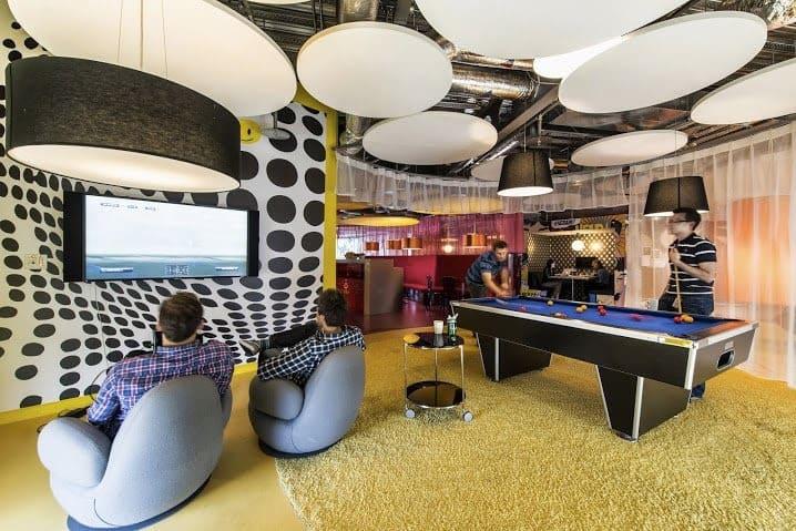 Área de lazer de um escritório da Google, pioneira no Hip Office