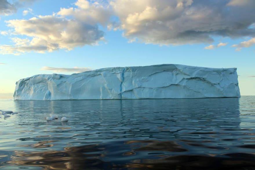 iceberg-viewing-tips-1