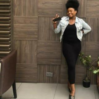 이아   Nessa Okeke profile picture