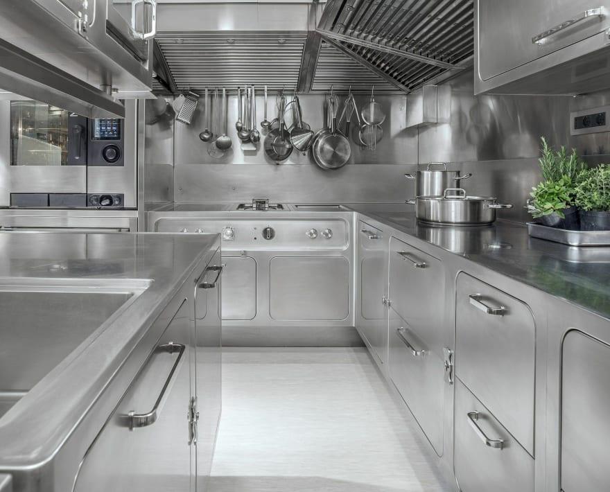 Very clean kitchen