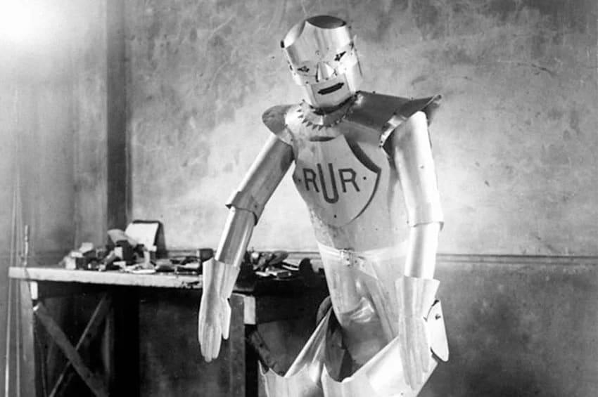 Robot que aparece en la histórica obra de teatro creada por Karel Capek