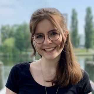AnaisUrlichs profile picture